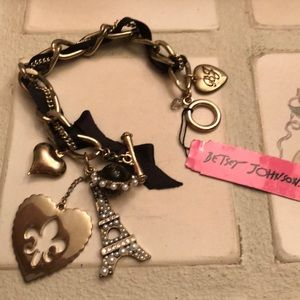 Betsey Johnson Paris bracelet New